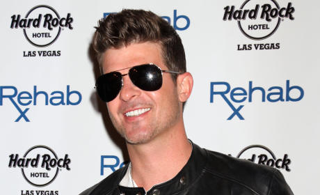 "Robin Thicke: Drunk ""Almost Every Night"" Since Losing Paula Patton, Source Says"