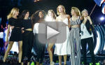 """Taylor Swift Brings Famous Friends on Stage for """"Style"""" Performance"""
