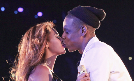 Beyonce and Jay Z Renew Wedding Vows in Paris!