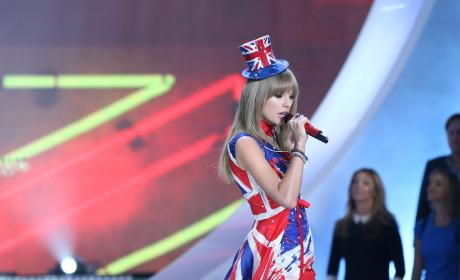 Could Taylor Swift be a Victoria's Secret model?