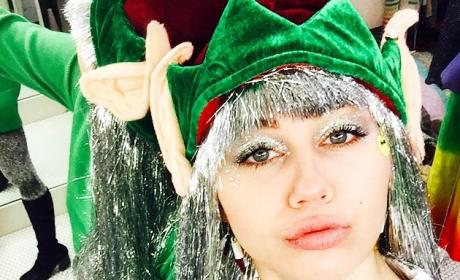 Miley Cyrus: Lip Injection Rumors Sparked By Trippy Elf Selfie