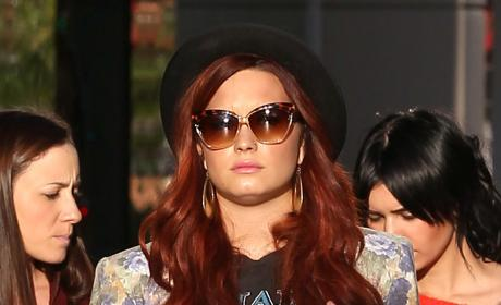 Demi Lovato Shopping