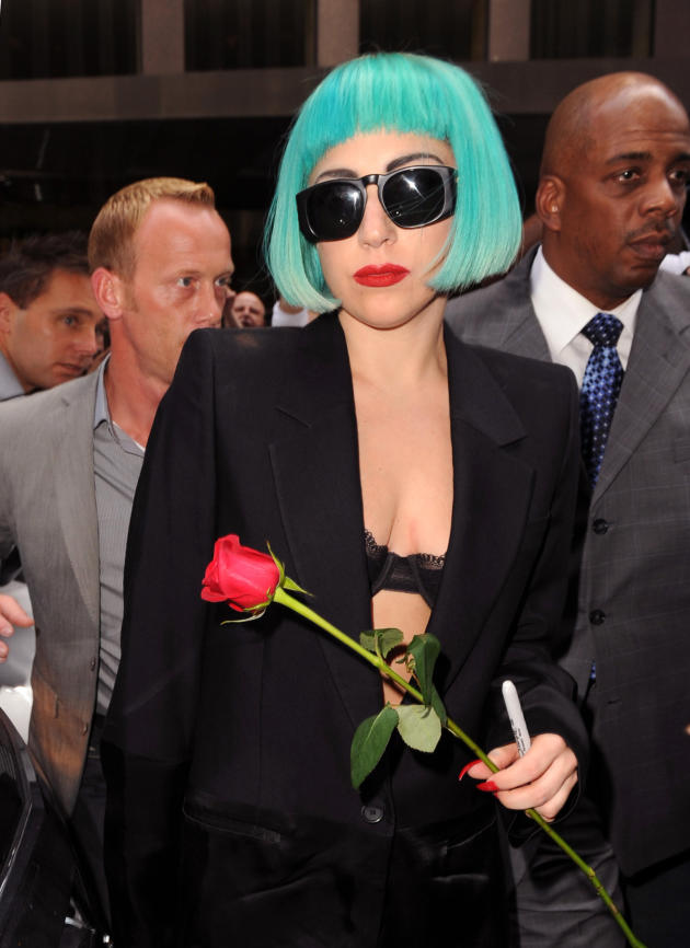 Lady Gaga, Blue Wig