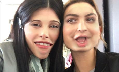 Kylie Jenner Shares UGLY SELFIE With Hailey Baldwin!