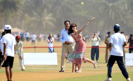 Kate Middleton Plays Cricket in Mumbai