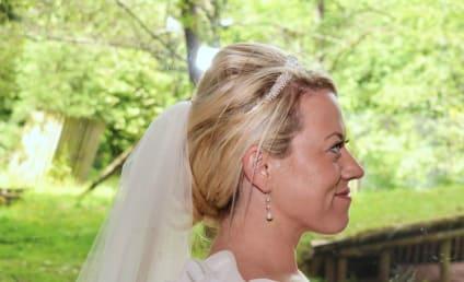 Tiger Photobombs Wedding Reception: Real or Fake?