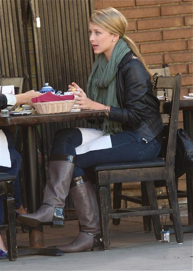 Lo Bosworth Shoots Over Lunch