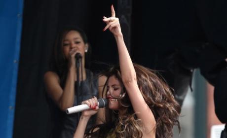 Selena Gomez Wardrobe Malfunction