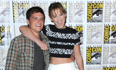 Catching Fire Comic-Con Panel: Jennifer Lawrence Will Slobber All Over You