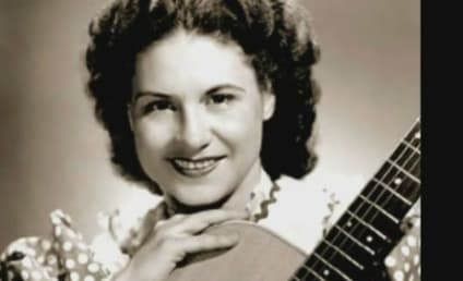 "Kitty Wells, ""Queen of Country Music,"" Dead at 92"