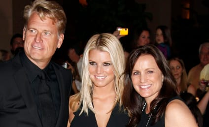 Jonathan Keith: Dating Joe Simpson, Causing a Stir at Jessica's Wedding?