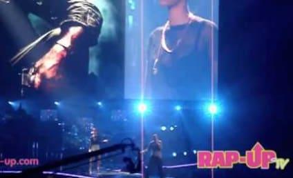 Rihanna, Travis Barker Join Eminem in Concert