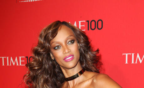 Random Breast Squeeze of the Week: Tyra Banks and Katharine McPhee
