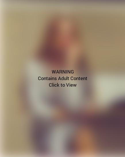 Lindsay Lohan Underwear Selfie