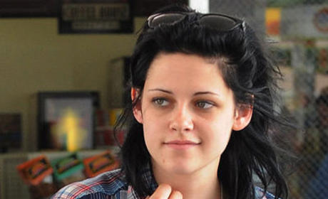 Kristen Stewart's Plaid Shirt: Love it or Shove it?