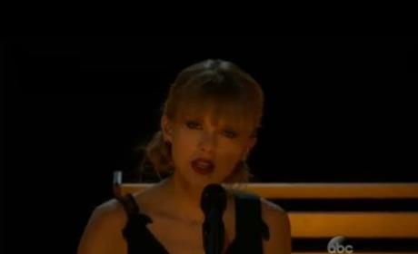 """Taylor Swift - """"Red"""" (CMA Performance)"""