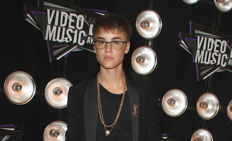 Justin Bieber Crashes Ferrari, Will Survive