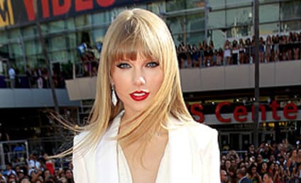 VMA Fashion Face-Off: Taylor Swift vs. Alicia Keys
