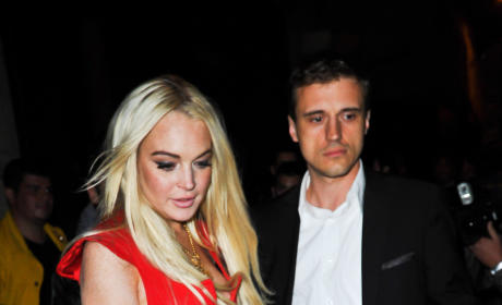 Is Lindsay Lohan Cutting Herself?!