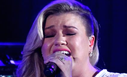 Kelly Clarkson Cancels Remainder of 2015 Tour