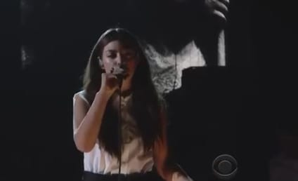 """Lorde Grammys Performance Electrifies Crowd; """"Royals"""" Wins Song of the Year"""