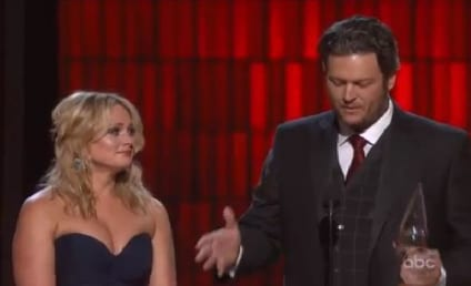 Blake Shelton CMA Awards Acceptance Speech Makes Miranda Lambert Cry