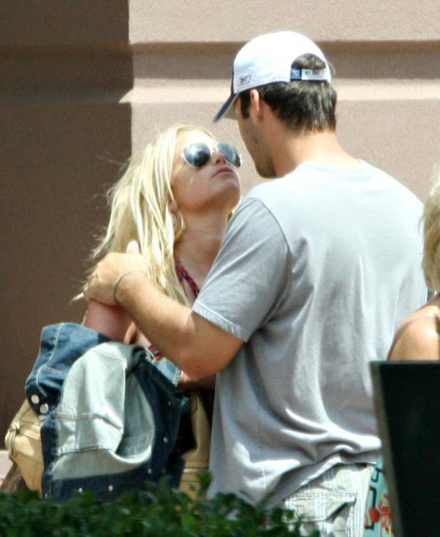 Jessica Simpson, Tony Romo Kiss
