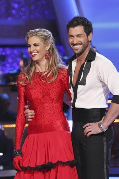 Erin Andrews and Maksim Chmerkovskiy Pic