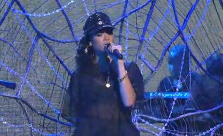 Rihanna - Talk That Talk (Live on SNL)