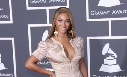 Grammy Awards Fashion Face-Off: Beyonce vs. Fergie