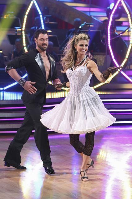 Erin Andrews and Maksim Chmerkovskiy Image
