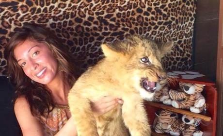 Farrah Abraham: Slammed By PETA For Lion Cub Photo