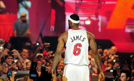 Judge Throws Out LeBron James Paternity Suit