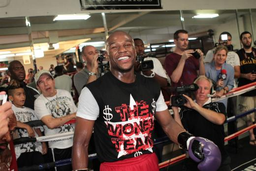 Floyd Mayweather Trains