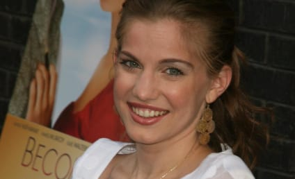 Anna Chlumsky and Shaun So: Engaged!