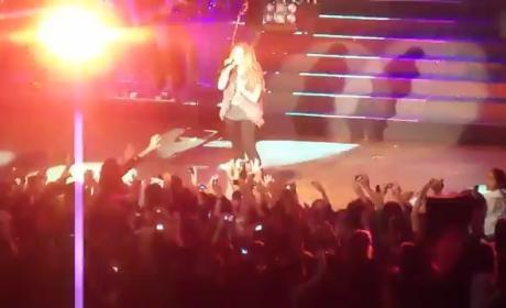Demi Lovato: Attacked in Paraguay!
