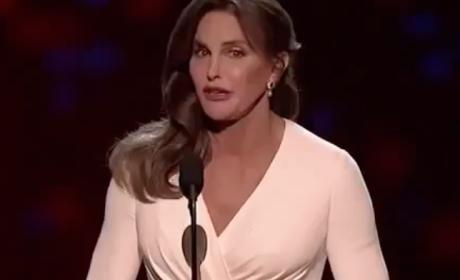 Caitlyn Jenner ESPYs Speech: Accept People For Who They Are!