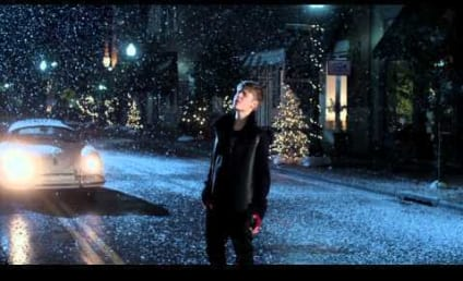 "Justin Bieber ""Mistletoe"" Video: Unveiled!"