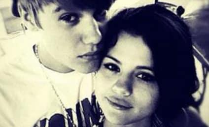 Selena Gomez MISSING Justin Bieber? Songstress Likes Throwback Jelena Video!