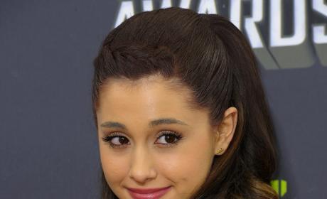 Ariana Grande Image