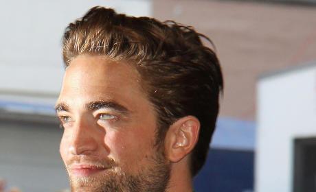 Robert Pattinson: Cozying Up to Random Blonde?