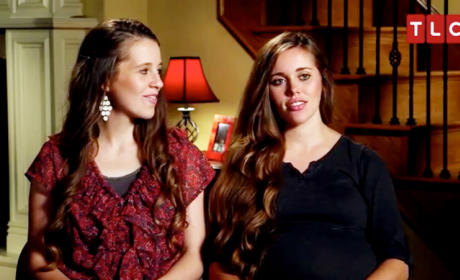 "Jill & Jessa Duggar Compare Pregnancy Bodies in ""Counting On"" Clip"