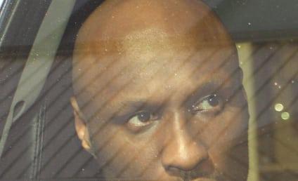 Lamar Odom: Signature Forged on Divorce Dismissal?!