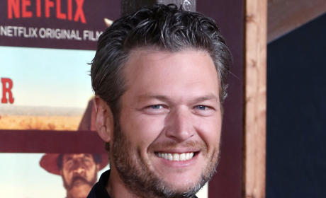 Debra Messing SLAMS Blake Shelton Over Trump Quote, Quickly Apologizes