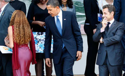 Great Moments in Ogling: Obama Checking Out Girl