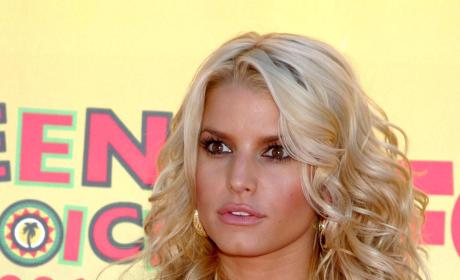 Jessica Simpson is MySpace, Internet Dating Junkie