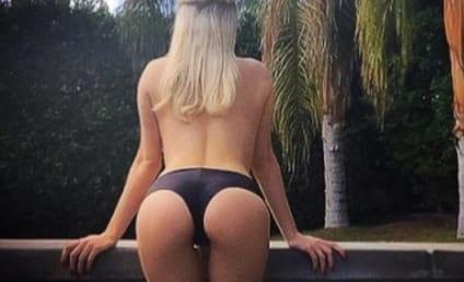 Courtney Stodden Displays Butt Amidst Pregnancy Rumors