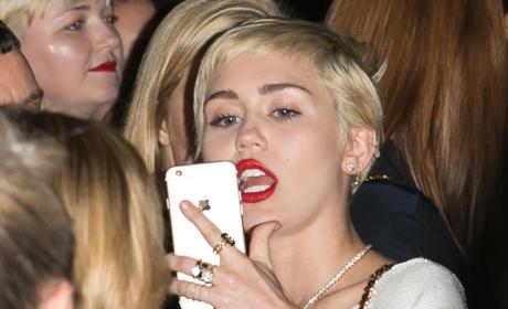 Miley Cyrus Selfie Attempt