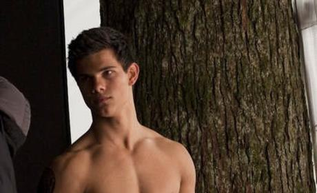 Taylor Lautner: Uncomfortable with Hotness, Shirtless Pics