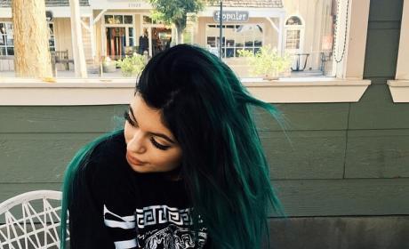 Kylie Jenner: Blue Hair is Back